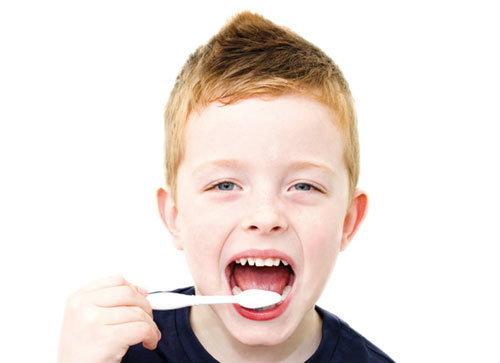 โถเด็กน้อย… เหตุใดฟันเจ้าถึงเหลือง