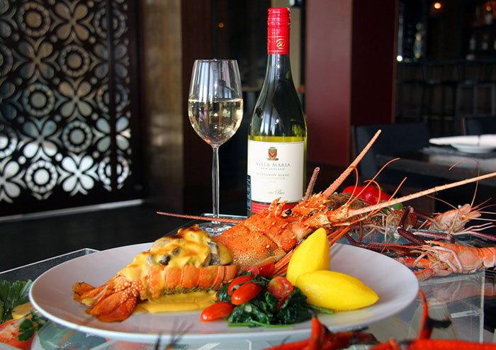 โปรโมชั่นอาหารทะเลสุดพิเศษ...ริมแม่น้ำเจ้าพระยา