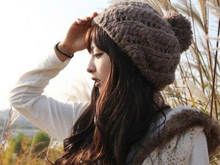 แฟชั่นหมวกไหมพรมไอเท็มที่สาวๆ ไม่ควรพลาดในฤดูหนาว