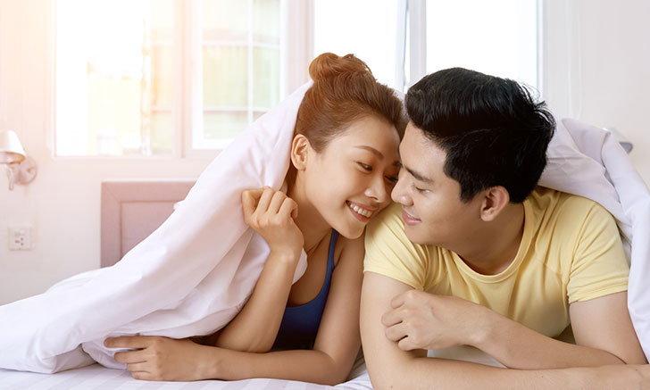 4 เทคนิคปลุกไฟรักหลังแต่งงาน สานต่อเกมรักให้เผ็ดร้อนมากยิ่งขึ้น