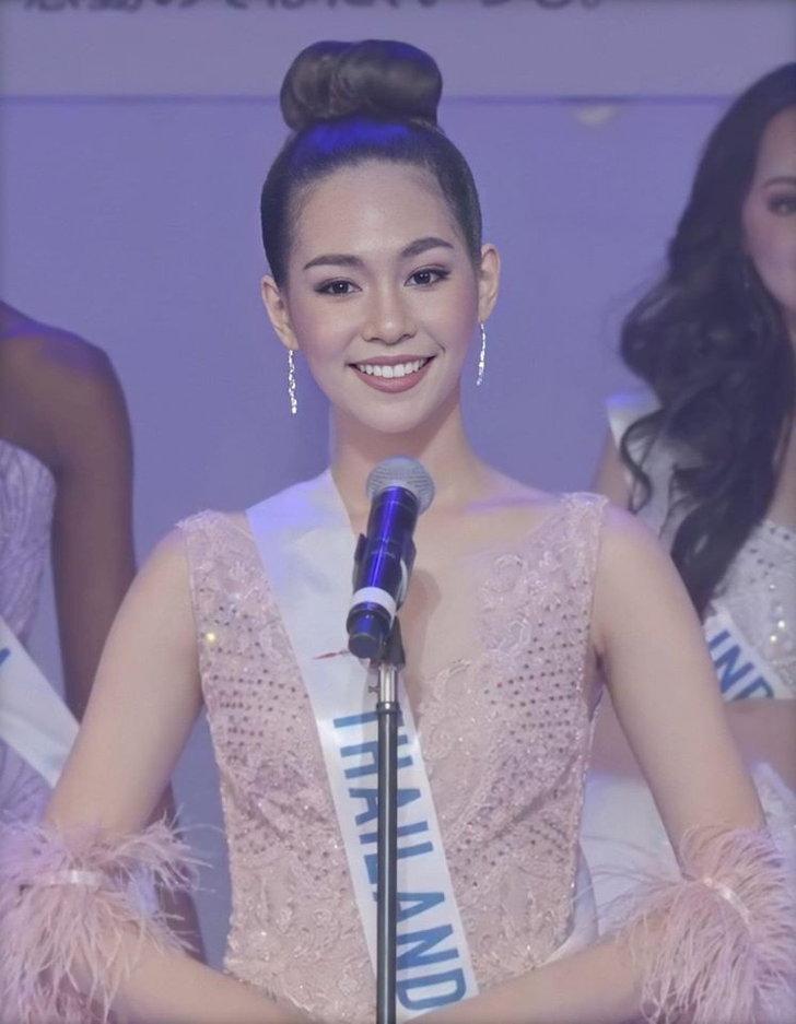 เภสัชกรหญิง สิรีธร ลีห์อร่ามวัฒน์ หรือ บิ๊นท์ Miss International 2019