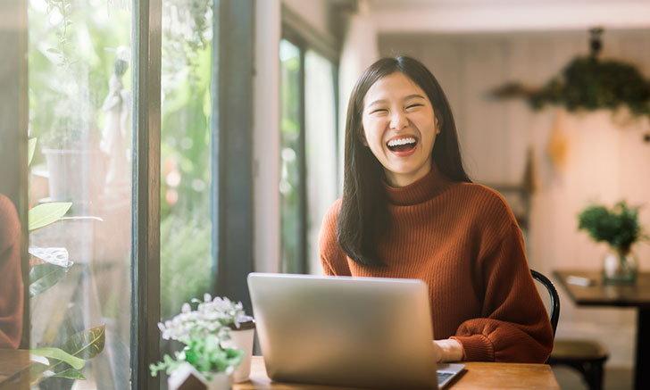 """""""โยคะหัวเราะ"""" ผิวสวยสุขภาพดีง่ายๆ ด้วยรอยยิ้ม"""
