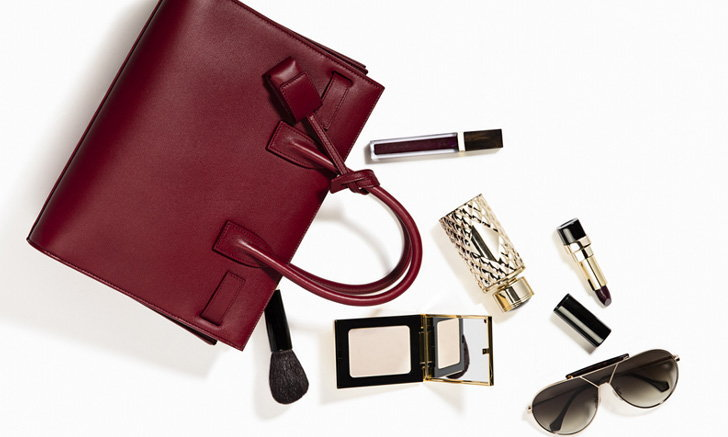 เติมความสวยระหว่างวันให้เป๊ะ ด้วย 5 เครื่องสำอางตัวเด็ด ที่ควรพกติดกระเป๋า