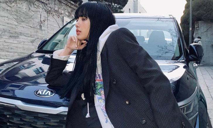 ลิซ่า BLACKPINK กับลุคล่าสุด สีผมดำสนิทยาวสลวย สวยจนติดเทรนด์