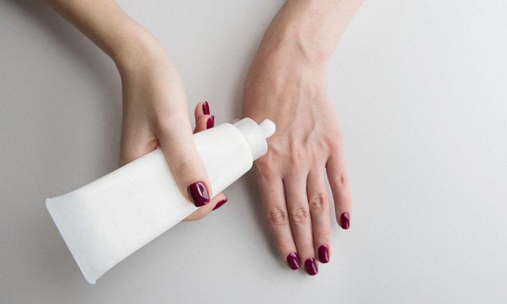 10 ครีมบำรุงมือ ราคาดี ควรค่าแก่พกติดตัวช่วงโควิด-19 ถ้าไม่อยากมือแห้ง