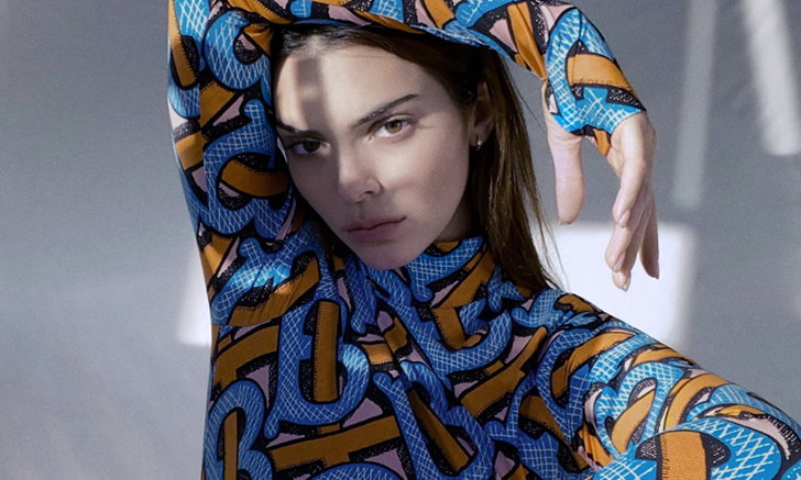 Kendall Jenner ร่วมถ่ายทอดคอลเลกชั่น TB Summer Monogram จาก Burberry