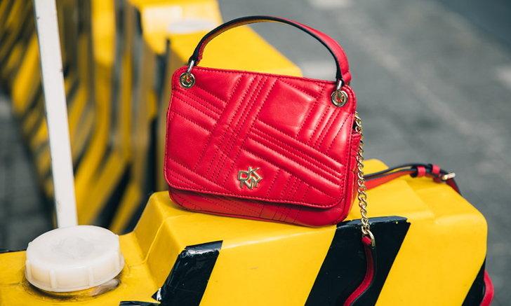 กระเป๋า DKNY คอลเลคชั่นฤดูใบไม้ร่วง2020 ดีไซน์จากมหานครนิวยอร์กถ่ายทอดสู่กรุงเทพมหานคร
