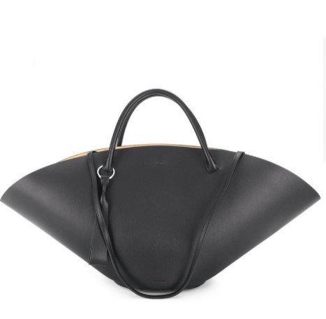 กระเป๋า $1,548 (46,532 บาท) จาก Jil Sander