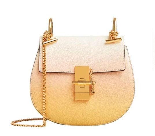 กระเป๋า $1,890 (56,813 บาท) จาก Chloé