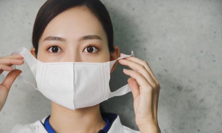 สาวญี่ปุ่นแต่งหน้าจัดเต็มแค่ไหนเวลาใส่หน้ากากอนามัย +เทคนิคแต่งหน้ายังไงไม่ให้หน้าเยิน