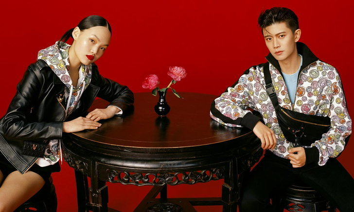 Versace นำเสนอแคปซูลคอลเลคชั่น ฉลองวันตรุษจีน อัดแน่นไปด้วยสีสันอันเปล่งประกาย