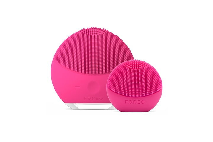 foreo_giftset_here_there_glob_3