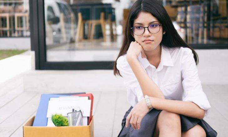 """5 วิธีจัดการชีวิต เมื่อจู่ๆ ก็กลายเป็นคน """"ว่างงาน"""""""