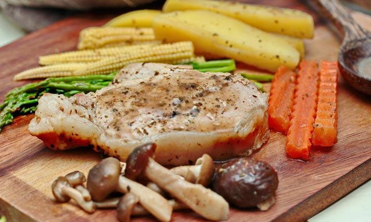 อร่อยเต็มอิ่มกับสูตรสเต็กหมูพริกไทยดำ ทำกินเองง่ายๆ ไม่ยุ่งยาก
