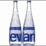 Evian par Jean Paul Gaultier Pr&ecirc__SMCL__t-&agrave__SMCL__-Porter bottle