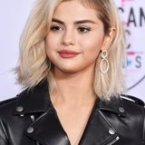 Selena Gomez ลุคใหม่