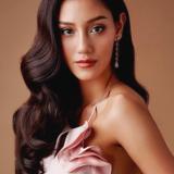 """ตามส่อง 20 เมคอัพลุคของ """"นิโคลีน พิชาภา"""" รองอันดับ 1 Miss World 2018"""