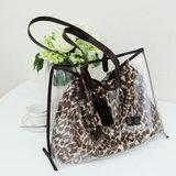 กระเป๋าลายเสือ