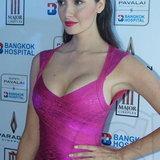 ซาร่า มาลากุล เลน ศัลยกรรมหน้าอก