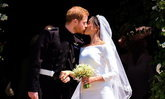เรียบง่าย เมแกน มาร์เคิล กับชุดแต่งงานสไตล์มินิมอล ในงานเสกสมรส