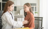 การรักษามะเร็งเต้านมด้วยวิธี ฮอร์โมนบำบัด