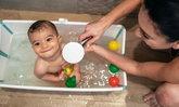 ลูกกลัวการอาบน้ำ จะทำอย่างไรดีเมื่อเด็กๆ ไม่ชอบที่อาบน้ำ งอแงทุกครั้งที่อาบน้ำ