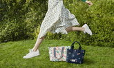 กระเป๋าคอลเลคชั่นล่าสุด น้องกบน้อย และ ลายปริ้นท์ดอกไม้ สุดคิวท์ จาก Cath Kidston
