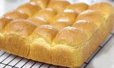 """ชวนทำ """"ขนมปังแครอท"""" ขั้นตอนง่ายๆ ใช้วิธีนวดมือ เนื้อฟูนุ่มอร่อย ไม่พึ่งสารเสริม"""