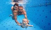 คุณแม่รู้ไหม ฝึกลูกว่ายน้ำตั้งแต่เด็ก มีผลดีมากกว่าที่คิด