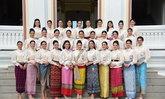 งามอย่างไทยแท้ 30 สาวงาม สวมผ้าไทยประจำถิ่น ชมหอประวัติวชิราวุธวิทยาลัย และวัดโพธิ์