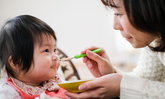 5 เมนูของลูกน้อยวัย 6 เดือนอัพ ทำง่ายด้วยวัตถุดิบหลักจากน้ำนมแม่