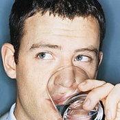 เห็นตะกรันในกาต้มน้ำ ทำให้กลัวว่าดื่มน้ำประปาแล้วจะเป็นโรคนิ่ว