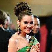 หญิง รฐา กับชุดผ้าไทยบนพรมแดงที่เมืองคานส์