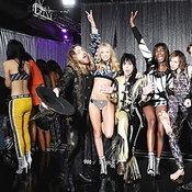 ตามส่องแฟชั่นปังๆ ของ 8 ศิลปินบนรันเวย์ Victoria's Secret