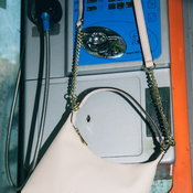 กระเป๋า DKNY
