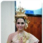 ดาราใส่ชุดไทย