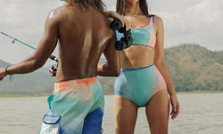 Carnival x Aprilpoolday คอลเลคชั่นชุดว่ายน้ำสีสดใส ที่สายแฟห้ามพลาด