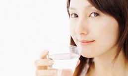 10 คุณประโยชน์ของน้ำเปล่า ดีต่อสุขภาพและหุ่นสวยเต็มๆ แก้ว