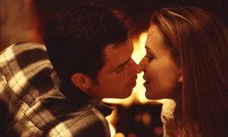 4 ความอัศจรรย์จากการจูบที่ให้คุณดื่มด่ำ ...มากกว่ารสหวานอันน่าหลงใหล