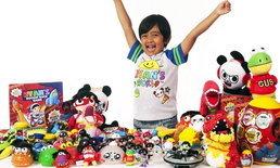 หนูน้อย 6 ขวบ นักรีวิวของเล่นยูทูบ เริ่มนำสินค้าออกขายในห้างดัง