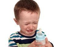 วิธีเลิกขวด ลูกเลิกขวด กี่ขวบ ถึงจะดี? ฝึกลูกเลิกขวดนม ป้องกันฝันผุ แม่อย่าใจอ่อน!