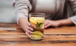 4 ข้อดีในการดื่มน้ำมะนาวในตอนเช้า ที่จะทำให้สาวๆ อยากลอง!