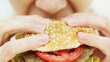 กินอาหารมากเกินไปก็เกิดผลเสียต่อสุขภาพได้มากกว่าที่คิด