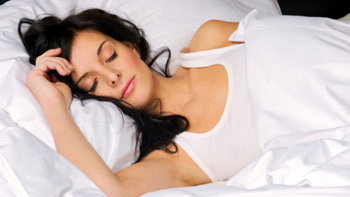3 เหตุผลที่คุณควรนอนตะแคงขวา