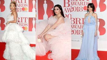 ฟรุ้งฟริ้งเวอร์! เก็บตกแฟชั่น 'ความพาสเทล' บนพรมแดงที่งาน BRIT Awards 2018