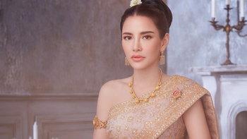 """นานๆ จะเห็นลุคนี้ """"อ้อม พิยดา"""" เฉิดฉายในชุดไทยสุดหรู งดงามดังนางในวรรณคดี"""