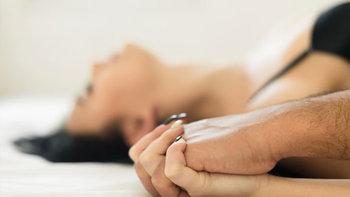 """5 รสรักบนเตียง เช็กกันหน่อยไหมแบบไหนที่เรียกว่า """"ถึงใจ"""""""