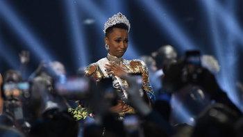 """Miss Universe 2020 เลื่อนจัดประกวดต้นปีหน้า""""Zozibini Tunzi"""" ครองมงกุฎ 2 ปีซ้อน"""
