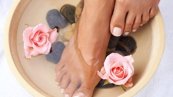 5 เคล็ดลับดูแลเท้า เพื่อผิวเท้าสวย เนียนนุ่มน่าสัมผัส