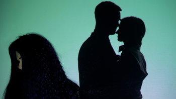 6 พฤติกรรมจับพิรุธสามี เขาแอบนอกใจอยู่ไหม ไปตามส่องกัน
